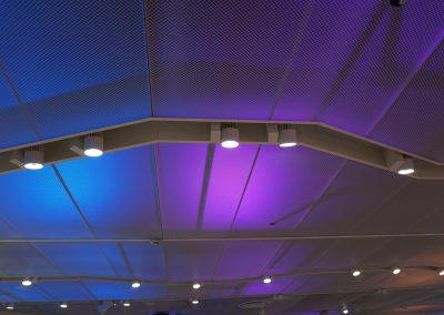 Colour-shifting Plexiglass