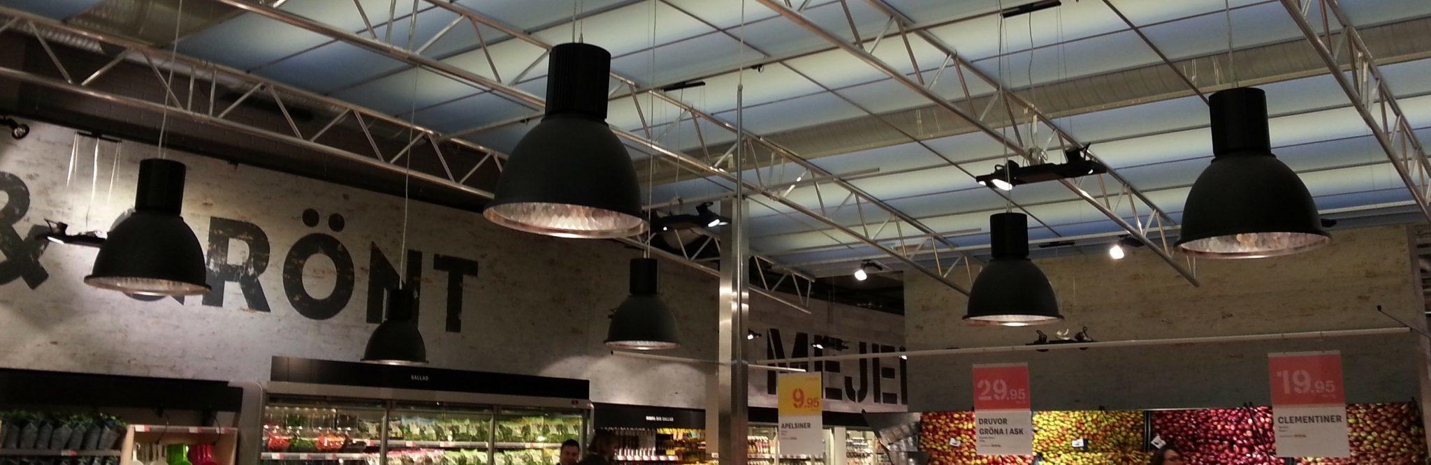 LED-armatur med slimmad design för butik och dagligvaruhandel.