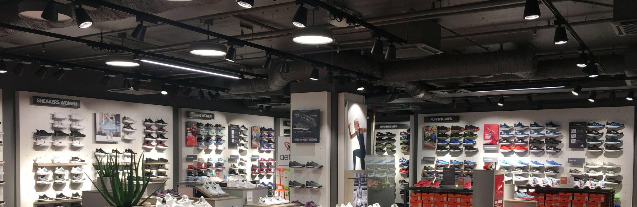 LED-panel för butik och dagligvaruhandel.